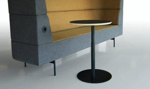 Conceptual laptop tafel